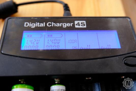Foxnovo LCD Intelligent Charger Display